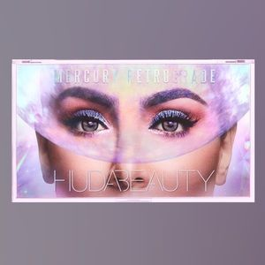 HUDA BEAUTY Makeup - Huda Beauty Mercury Retrograde Pallete 💜